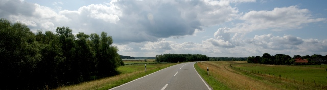 In Wendland, the roads built on the dikes provide a breathtaking view of the surrounding countryside.